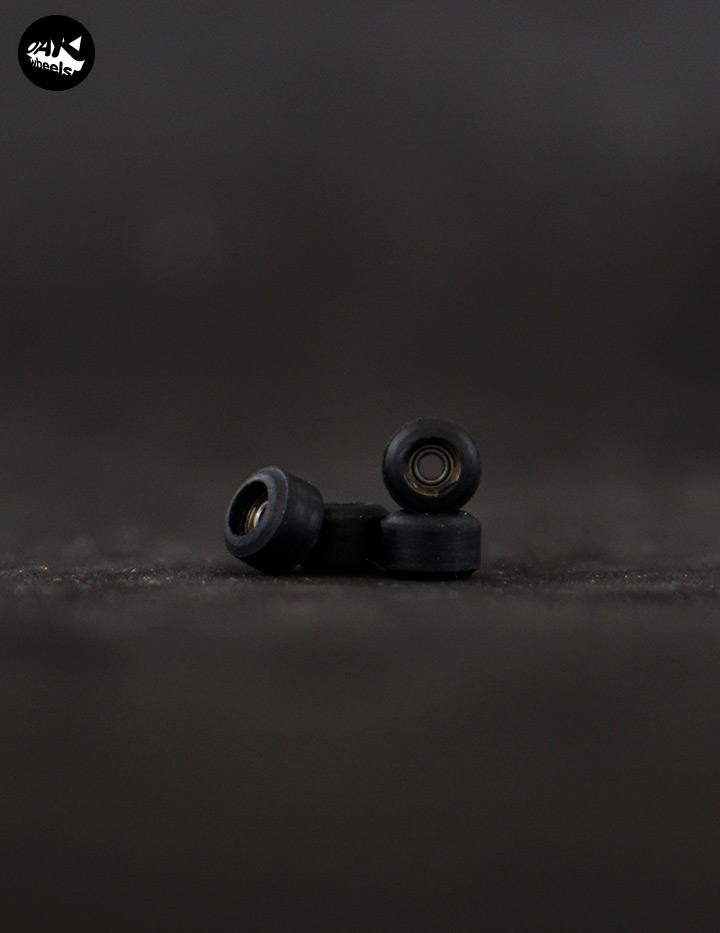 MiniBlack01